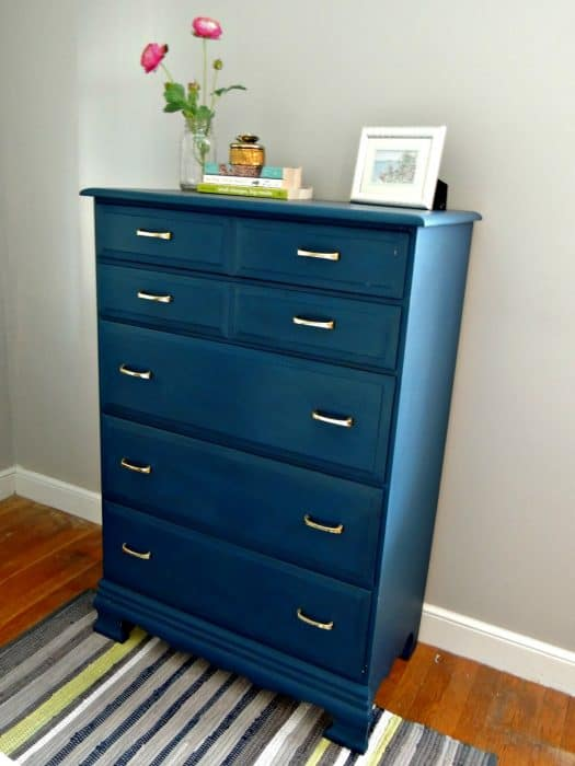 Must pin! How to paint furniture and get perfect results!