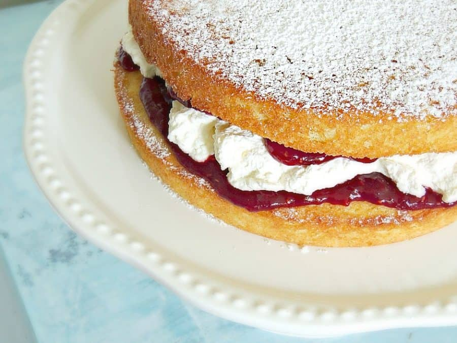 victoria sponge cake | wife in progress